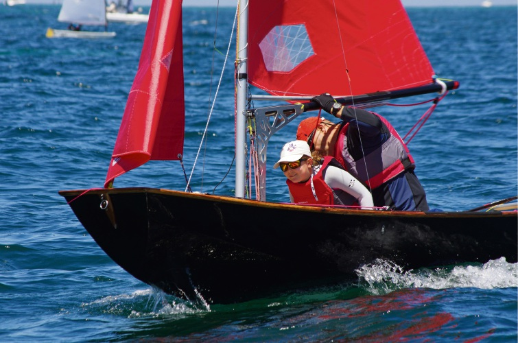 Wandi: father and daughter sailing team to represent Australia