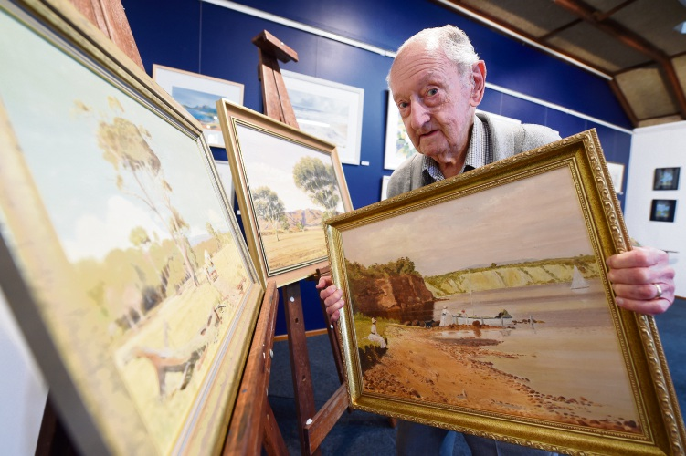 Ardross: family and friends of Peggy Everett gather at Atwell Gallery to honour her memory