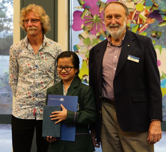 Years 5-6 category winner Hannah Wang, centre, with Roland Leach, left, and Nedlands Mayor Max Hipkins.