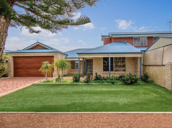 2 Princeton Drive, Wannanup – From $469,000