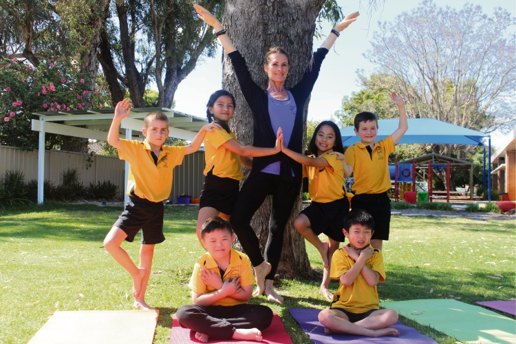 Wellbeing 4 Kids founder Linda Bancroft with Riverton Primary School students.