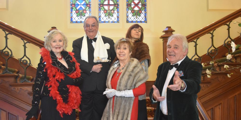Back: Anthony House & Alinta Carroll. Front: Davilla O'Connor, Jenny Davis and Bernie Davis will perform in A Colonial Christmas