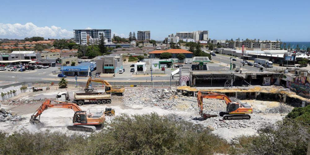 Demolition at the 3 Oceans site in Scarborough. Photo Martin Kennealey. d488944b