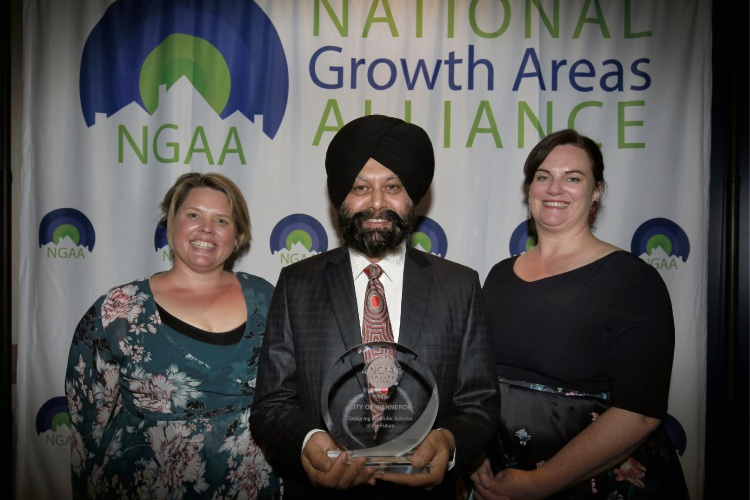 City of Wanneroo assets director Harminder Singh (centre) with Astrolabe Group director Belinda Campbell Comninos (left) and NGAA executive officer Bronwen Clark.