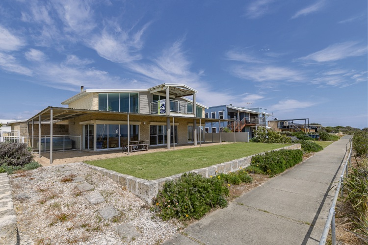 23 Cape View Lane, Peppermint Grove Beach – $1.095 million