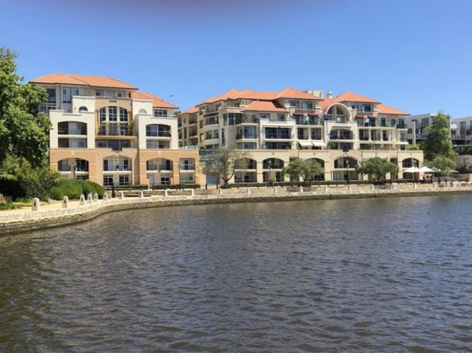 24/20 Royal Street, East Perth – Offers by December 17