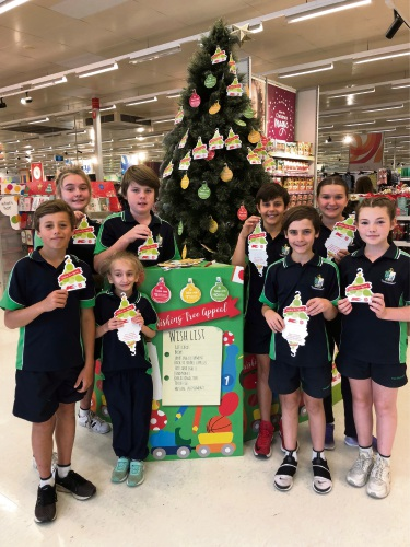 Peter Moyes Anglican Community School students used funds raised at the market day to support the Wishing Tree Appeal.