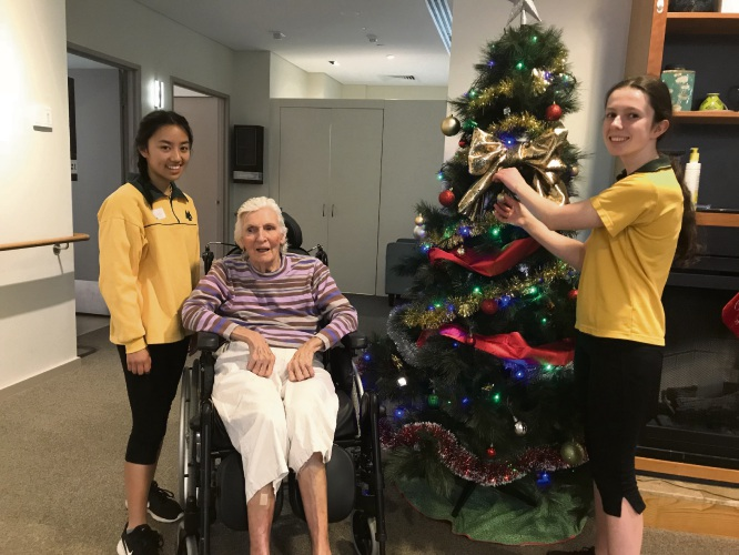 (L to R) MLC student Elani Boog, Mercy Health resident May Shaw and MLC student April Ward.