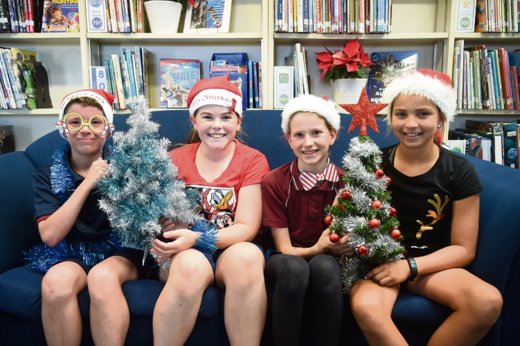 South Coogee Primary School's Nicholas Lawson-Lofrentz (Yr6), Isabelle Cross (Yr6), Zara Foggerdy (Yr4) & Kori Rainey (Yr5). Photo-Jon Hewson. d488804 communitypix.com.au.