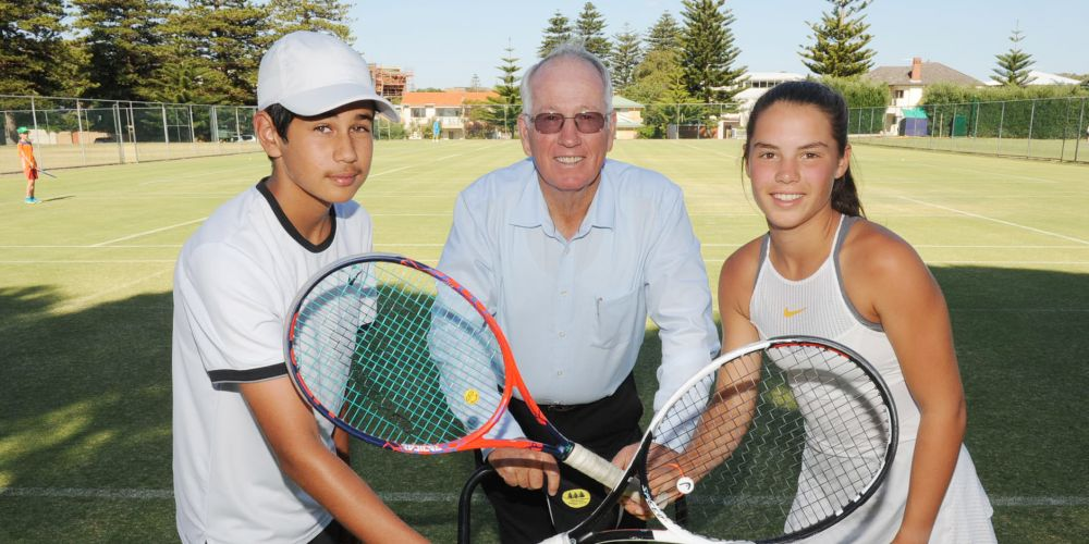 Ready for the 2019 National Grasscourt Junior Championships are (l-r) Dalkeith Tennis Club's Zach Viiala, Cottesloe Tenis Club president Ian Hutton and Cottesloe Tennis Club's Jessie Culley. Picture: Jon Bassett.