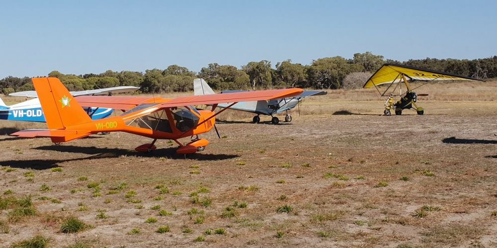 Pilots took advantage of the Lake Clifton Tavern's airstrip on Mother's Day.