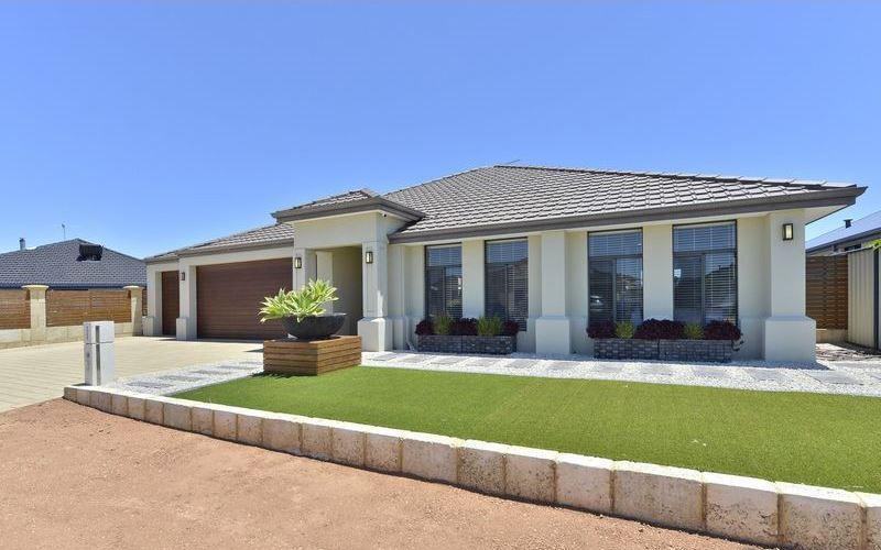 3 Sandbridge Way, Meadow Springs – From $549,000