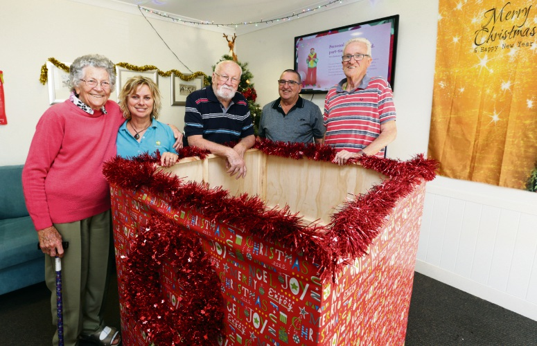 Resident Pat Woodley, Melanie Waldron (therapy assistant), Nicholas Stepanov (resident and Bethanie Beachside Men's Shed member), Noel Shea (Bethanie Beachside Men's Shed ) and Derek Reglar (resident). Photo: Martin Kennealey