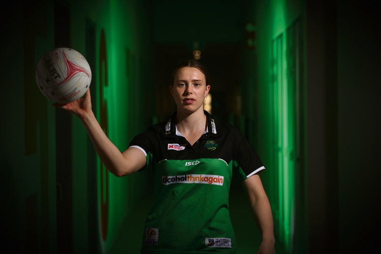 Olivia Lewis has signed to the West Coast Fever for the 2019 season. Photo: Andrew Ritchie. d489036 communitypix.com.au.