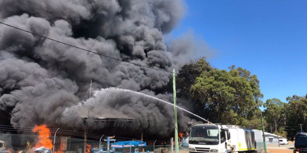 The fire in Karagullen. Photo: DFES/Twitter