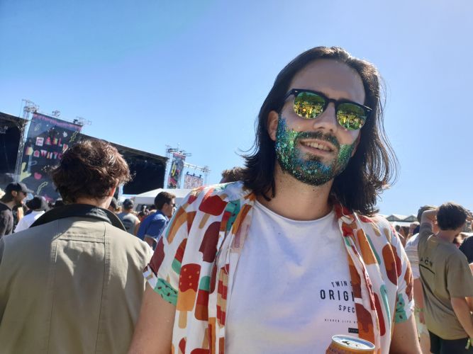 Falls Festival: glitter and glam outfits lead the fashion trends