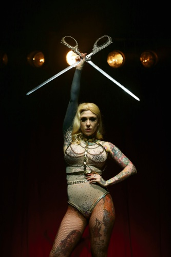 Freo sword swallower Lucky Hell lives up to name in Fringe's La Soiree