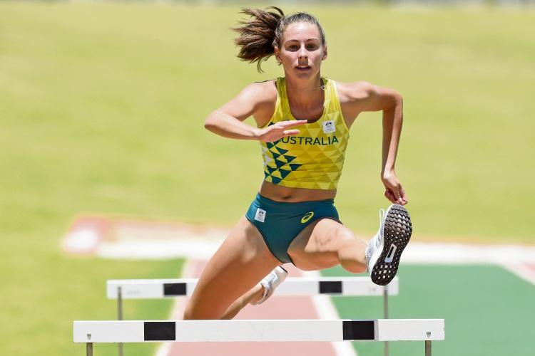 Sophie White in action. Picture: Jon Hewson www.communitypix.com.au   d489958