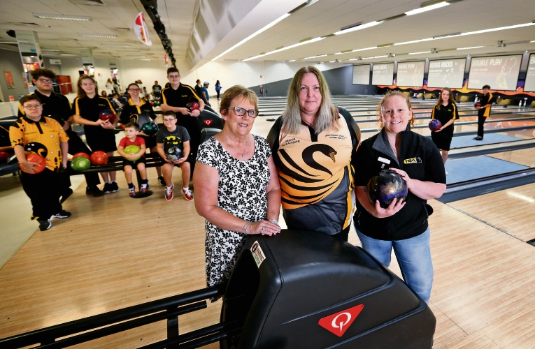 AT FRONT L-R: Sally Watson (Secretary, Tenpin Bowling Assoc of WA), Sharon McKellar (Treasurer, Tenpin Bowling Assoc of WA) and Tahnee Ridley (President, Tenpin Bowling Assoc of WA), seen here at Zone Bowling in Morley.  The Tenpin Bowling Association of WA Inc has been granted $25,000 from the State Government towards its program for people with a disability. Picture: David Baylis www.communitypix.com.au   d490240