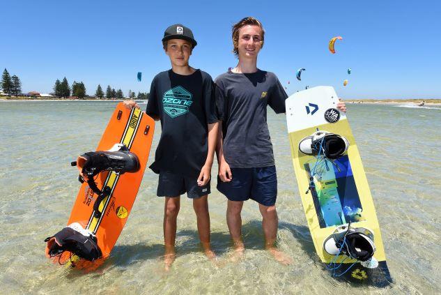 Tristan Lewis (13) and Logan McCormick (15). Picture: Jon Hewson www.communitypix.com.au   d490415