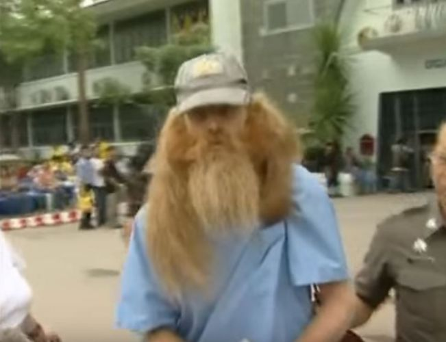 Bradley Pen Dragon leaving a Thai prison.