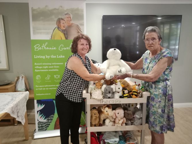 Marianne McCabe from the Stirling Women's Refuge with Bette Jordan