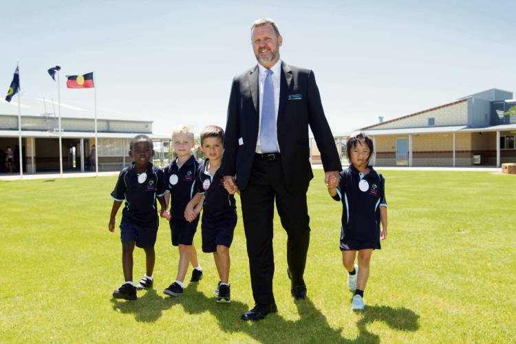 School principal Noel Morgan with students Christian Modi, Bailey Broun, Seth Tomlin and Arianna Zhu. Photo: Bruce Hunt. d490519. communitypix.com.au.