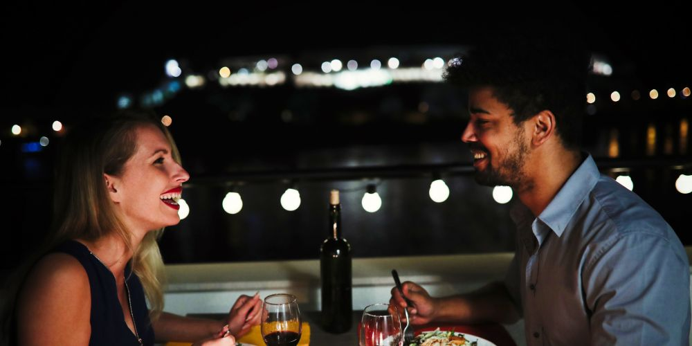 First date etiquette: should the bill be shared?