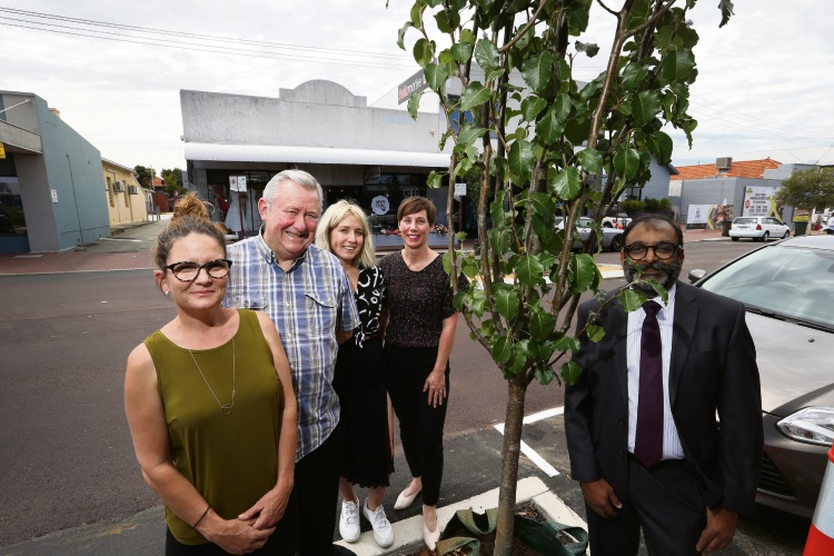 Tara Higgins from Mt Hawthorn Hub), Lloyd Blake, Kate Wilks from Ilka, Vincent Mayor Emma Cole and Dr Alkesh Vyas from Micro Lens Consulting on Oxford Street. Picture: Andrew Ritchie