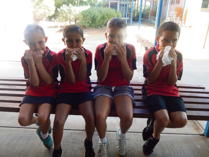 (left to right) Southwell PS's Taleeya Cole (7), Temeka Kickett (9), Violet Hayden (9), Dinny Williams (9)
