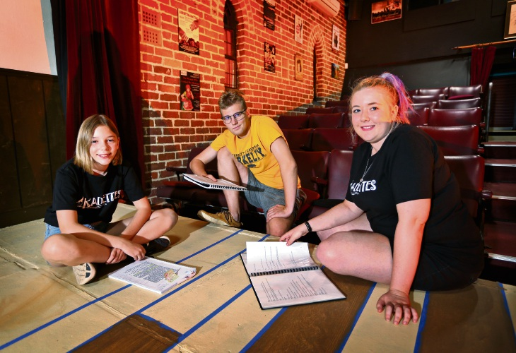L-R: Current student Alex Campbell (12) of Kalamunda with past Kadettes student Steven Ozanne of Orange Grove and Monique Lewit (Youth Coordinator, Kadettes), seen here at the KADS Theatre (Home of the Kalamunda Dramatic Society). Photo: David Baylis