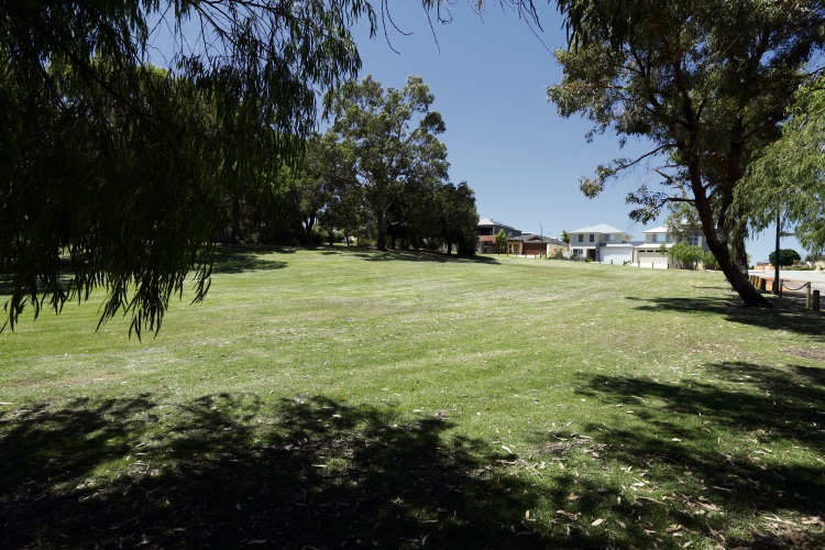 Wanneroo Council swings forward plans for play equipment at Carona Park in Madeley