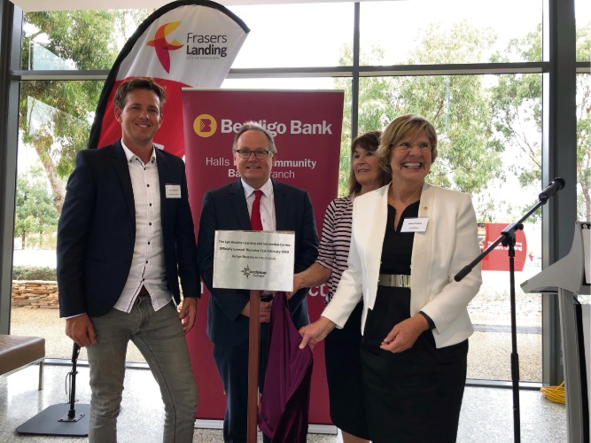 ayor Rhys Williams, Mandurah MLA David Templeman, Coodanup Community College board chair Beth Aitken and Professor Beazley with the plaque commemorating the opening.