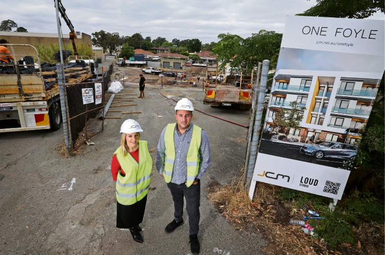 L-R: Cr Filomena Piffaretti (City of Bayswater) and Mark D'Alessandro (Director, JCM Property Group), seen here at the One Foyle apartment construction site in Bayswater. Photo: David Baylis