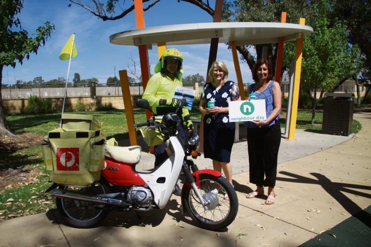 Wellard Postman Duncan Calder with Mayor Carol Adams and Relationships Australia Senior Co-ordinator Allison Kay.