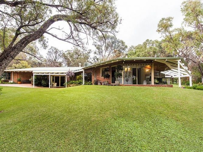 131 Mulga Drive, Parklands – $1.35 million