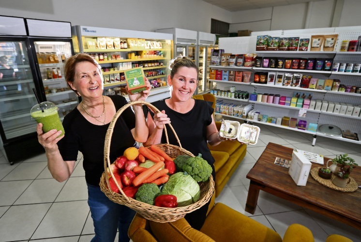 L-R: Clara Pound (Co-owner, Nourish & Flourish) with staff member Helen Newing at the new Nourish & Flourish store in Morley. Picture: David Baylis www.communitypix.com.au   d491268