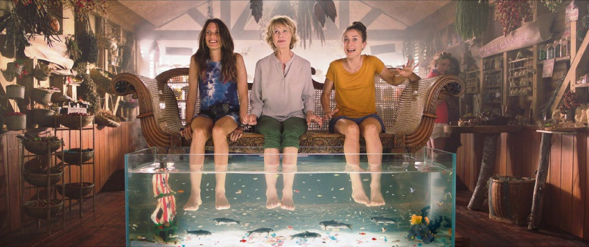 Rose, Francoise and Alice take their feet for a fish pedicure in Dumped.
