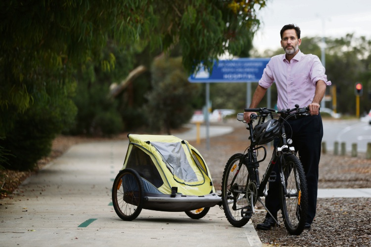 Dr Aron Chakera cycles to work daily. Picture: Andrew Ritchie www.communitypix.com.au   d491218