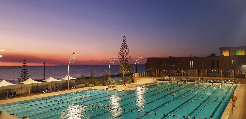 Mark Owens shared his stunning snap of Scarborough Beach Pool.