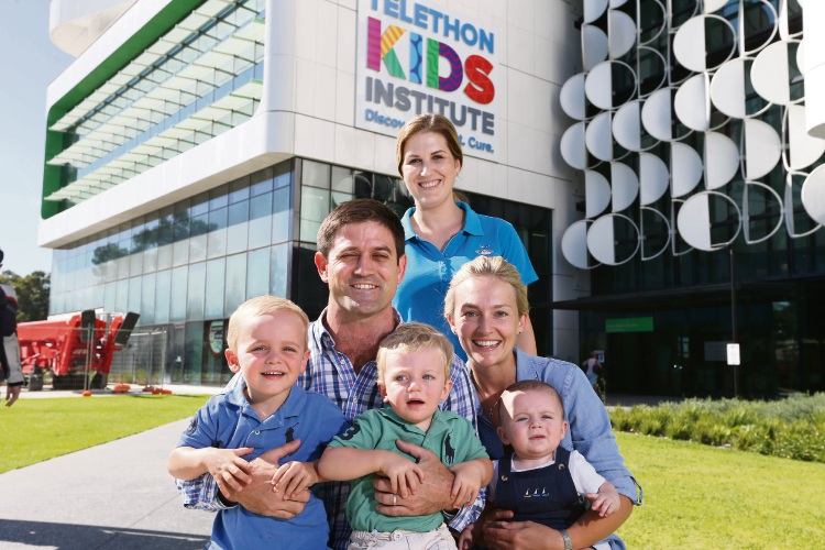 Sam and Ashling Turner and their children Howie, Paddy and Lenny with ENDIA nurse co-ordinator Alexandra Tully. Picture: Andrew Ritchie www.communitypix.com.au 491427d