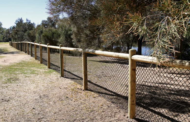Planning Minister approves fence removal at Ashfield Flats