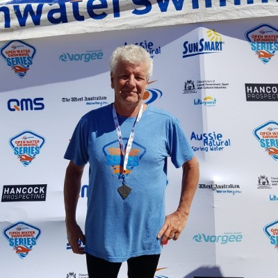 Thornlie man takes to the pool for youth mental health