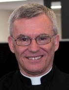 Big crowds farewell Perth priest after shock death
