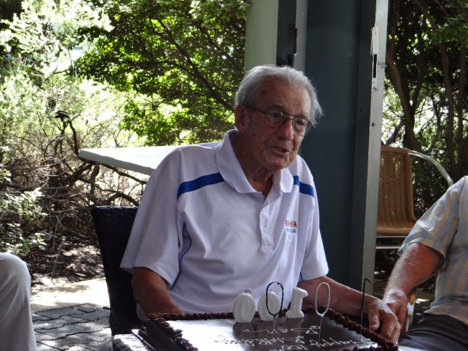 Ben Shom celebrated his 100th birthday with nine holes of golf and cake.