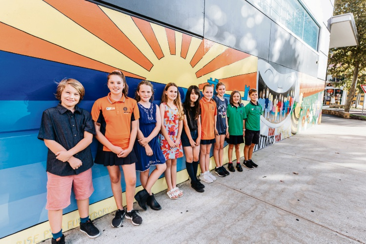 Students from Makaybe Rise with their mural. Inset: Rockingham Montessori School students' mural.