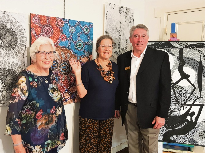 Penny Hoffman, Gayle Bukey and Shire President David Bolt at the exhibition opening.