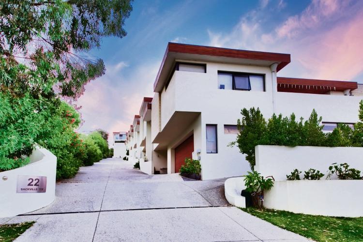 4/22 Sackville Terrace, Scarborough – $799,000 – $829,000