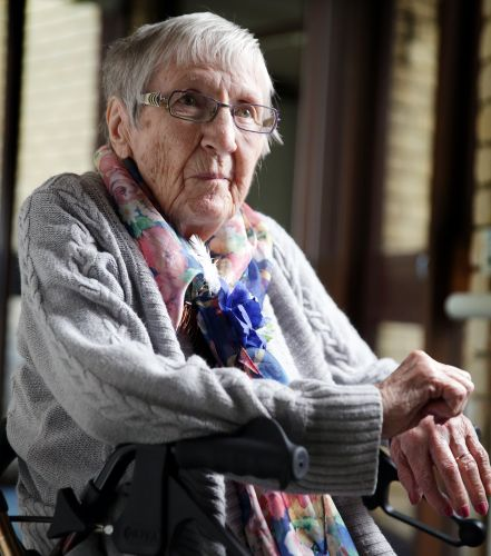 Retired nurse Doreen Chapman. Picture: Martin Kennealey www.communitypix.com.au d492842