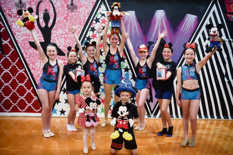 The Kerry Gough Gotta Dance school troupe. Photo: Jon Hewson. d492879 communitypix.com.au.